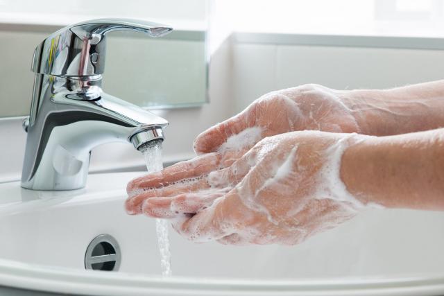 5 zasad: jak myć ręce